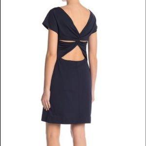 *NEW Theory Andrizza twisted back sheath dress 4